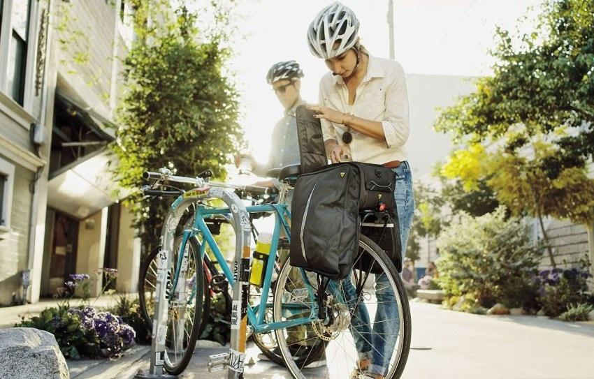 Cyklodoplnky; nosiče, tašky