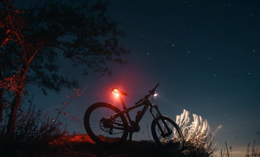 Cyklodoplnky; svetlá