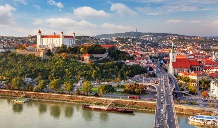 Diaľničné poplatky a mýto na Slovensku