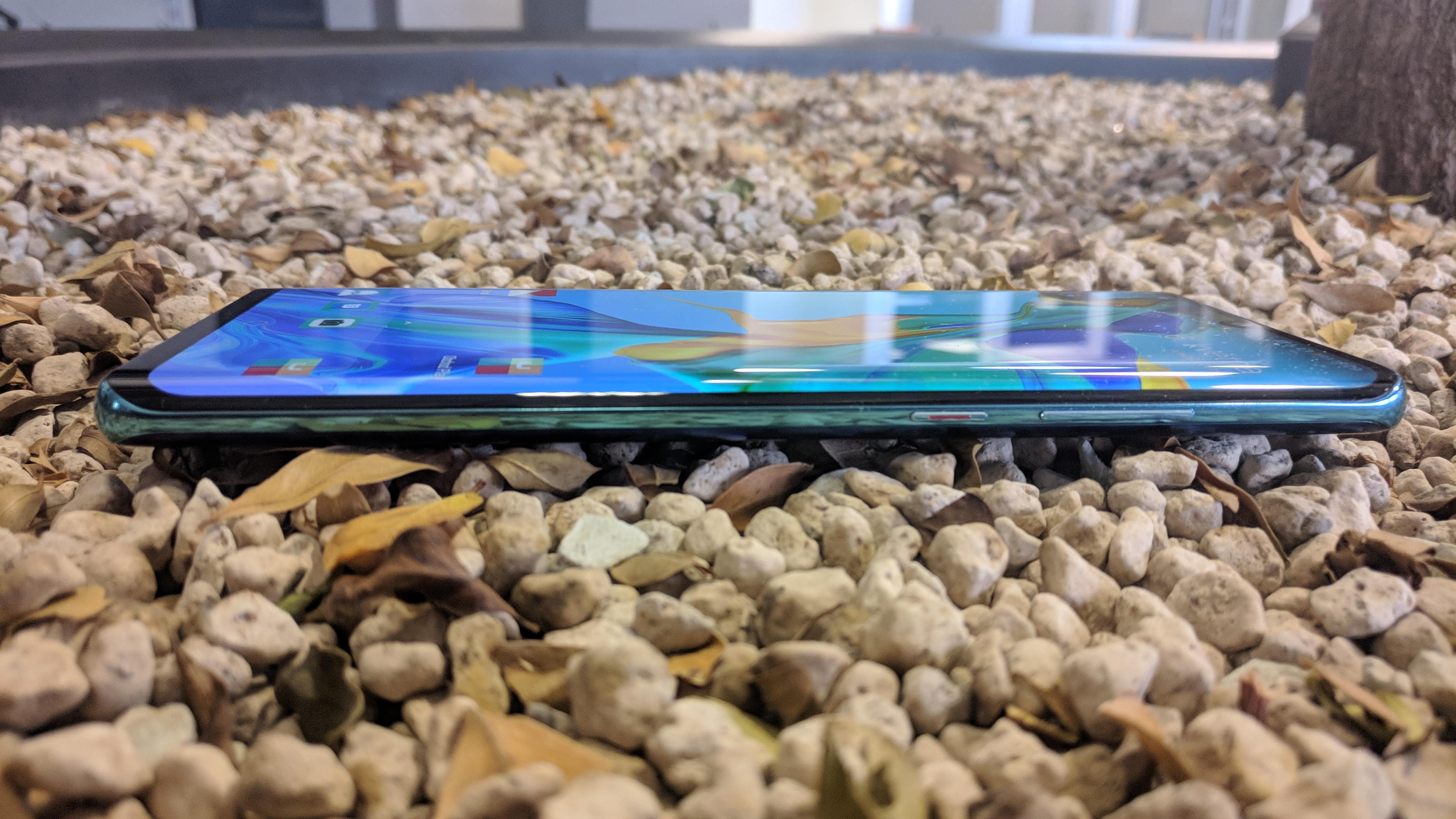 Huawei P30 Pro, recenzia, dizajn a konštrukcia