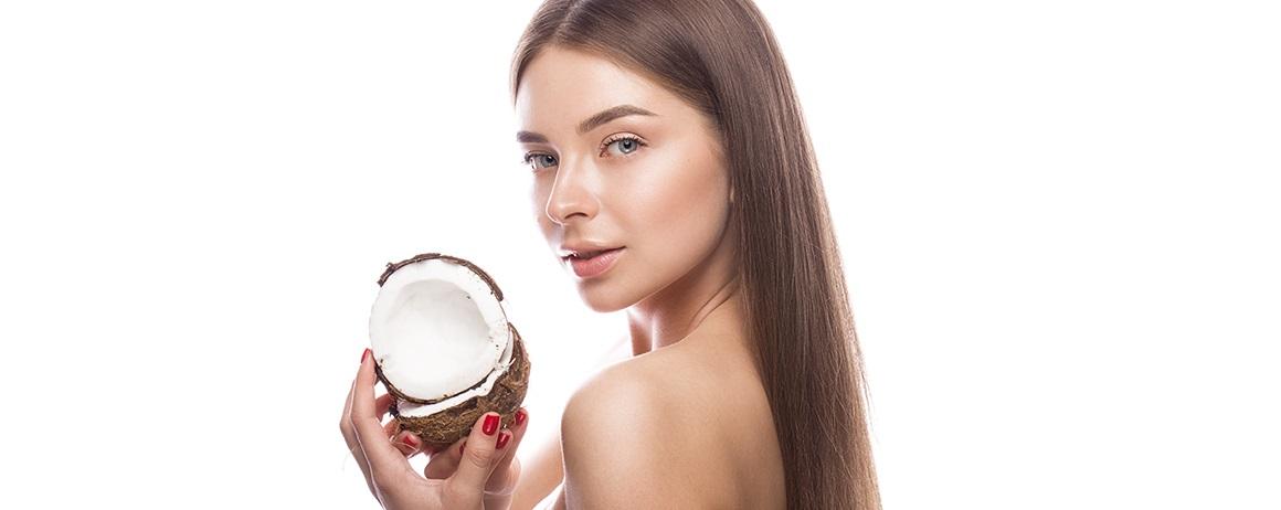 Dievča s kokosom