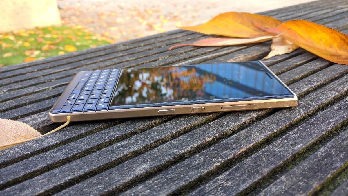 BlackBerry Key2 LE, recenze