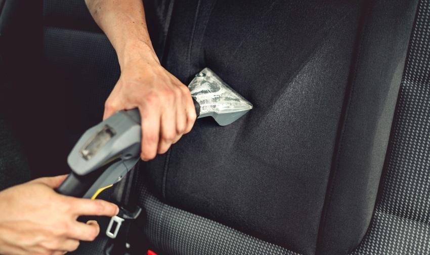 Ako vyčistiť auto – extraktor