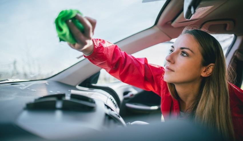 Ako vyčistiť auto – sklá