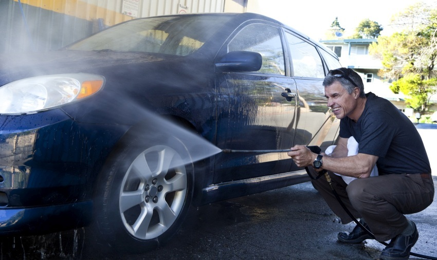 Ako umyť auto – tieň