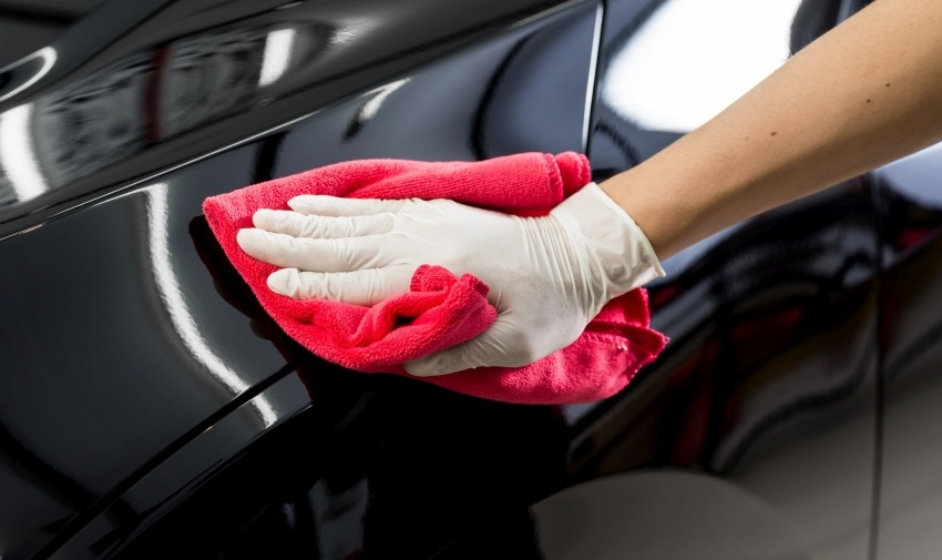 Ako umyť auto – voskovanie karosérie