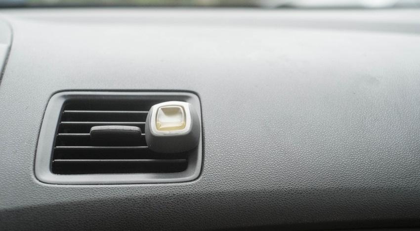 Ako vyčistiť auto – vône do auta