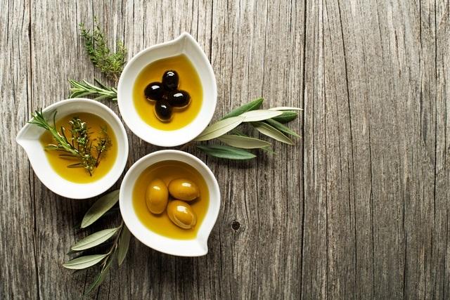 Olivový olej na vytvorenie vlasovej masky