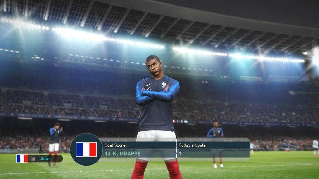 PES 2019; gameplay: Mbappé