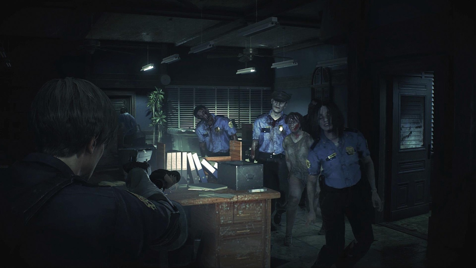Resident Evil 2; screenshot: policie