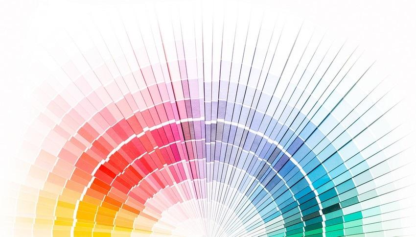 Farebná škála teplých a studených farieb