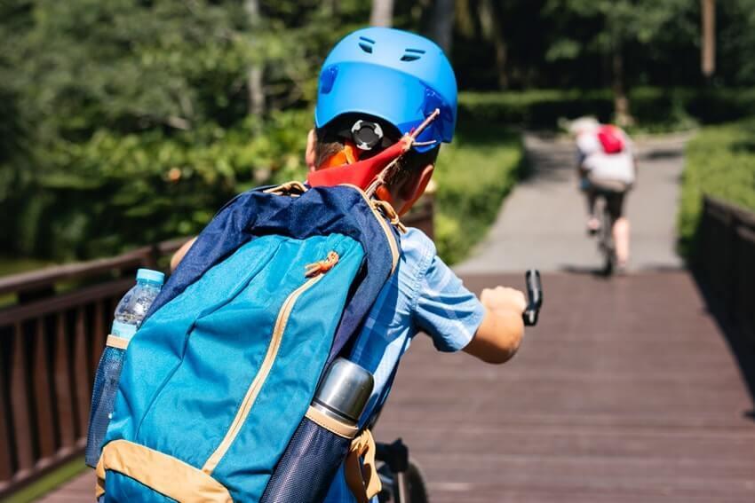 Popraskaná prilba – výmena prilby na bicykel