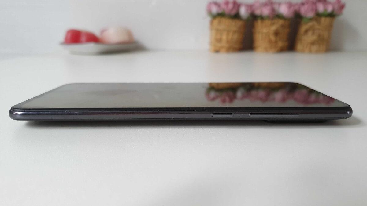 Xiaomi Mi 9, recenzia, dizajn
