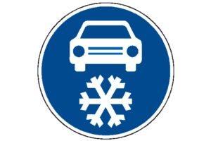 Povinná zimná výbava: Dopravná značka
