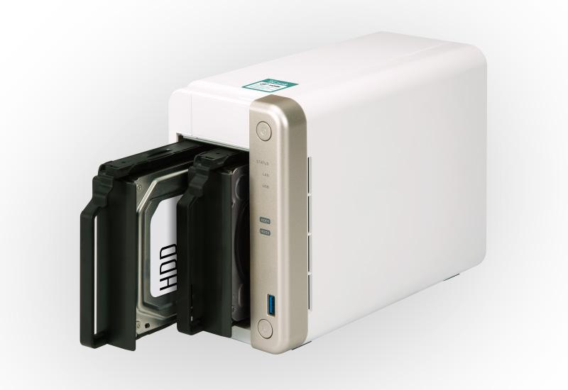 NAS server QNAP; HDD