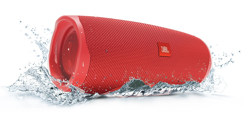 JBL Charge 4 pod vodou